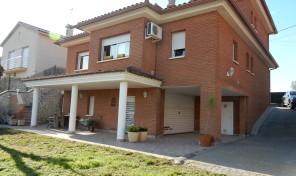 CV013 Casa en Vallés Park